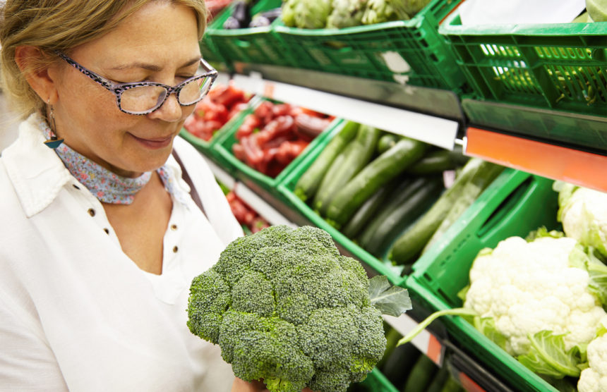 How to Fight Aging with a Low Calorie Diet